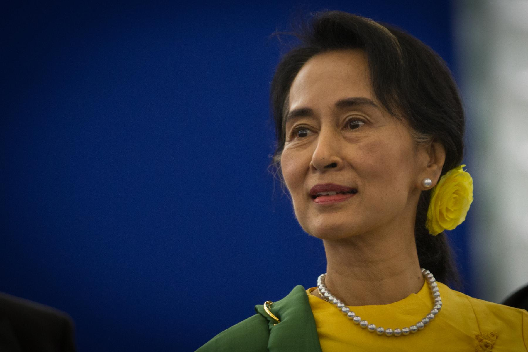 aung san suu kyi leading the burmese democracy movement tavaana aung san suu kyi leading the burmese democracy movement