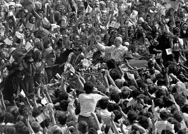 Pope John Paul II visits Poland in 1983